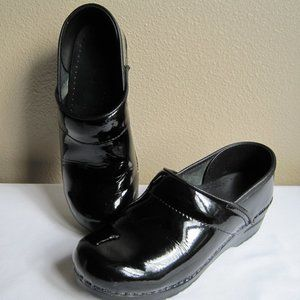 Dansko Black Patent Clogs  Size 37  or  6.5
